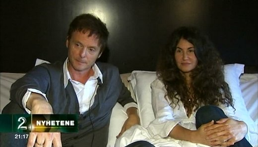 Paul and Lauren interviewed in bed by TV2.