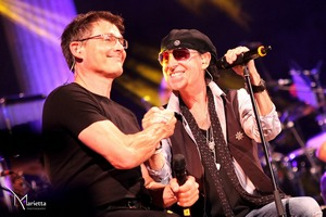 Morten and Klaus Meine on stage, September 11th (Picture by Marietta Photography)