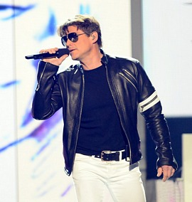 Morten wearing the jacket at the 2013 Billboard Music Awards