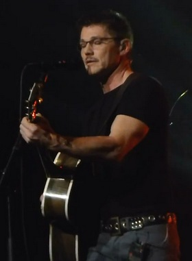 "Morten performing ""A Change Is Gonna Come"" (Screenshot from YouTube video)"